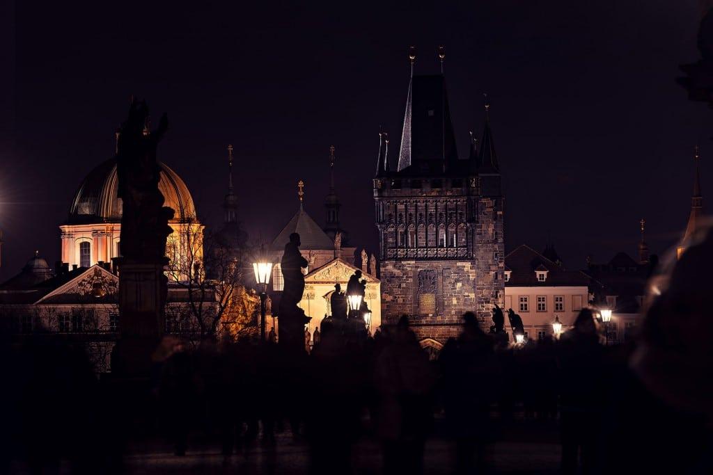 Prag-Tschechische-Republik-Prague-Karlsbrücke-Karlsbruecke-Sehenswürdigkeiten-Panorama-Fotokurs-City-Sights-Nachtaufnahme-Night