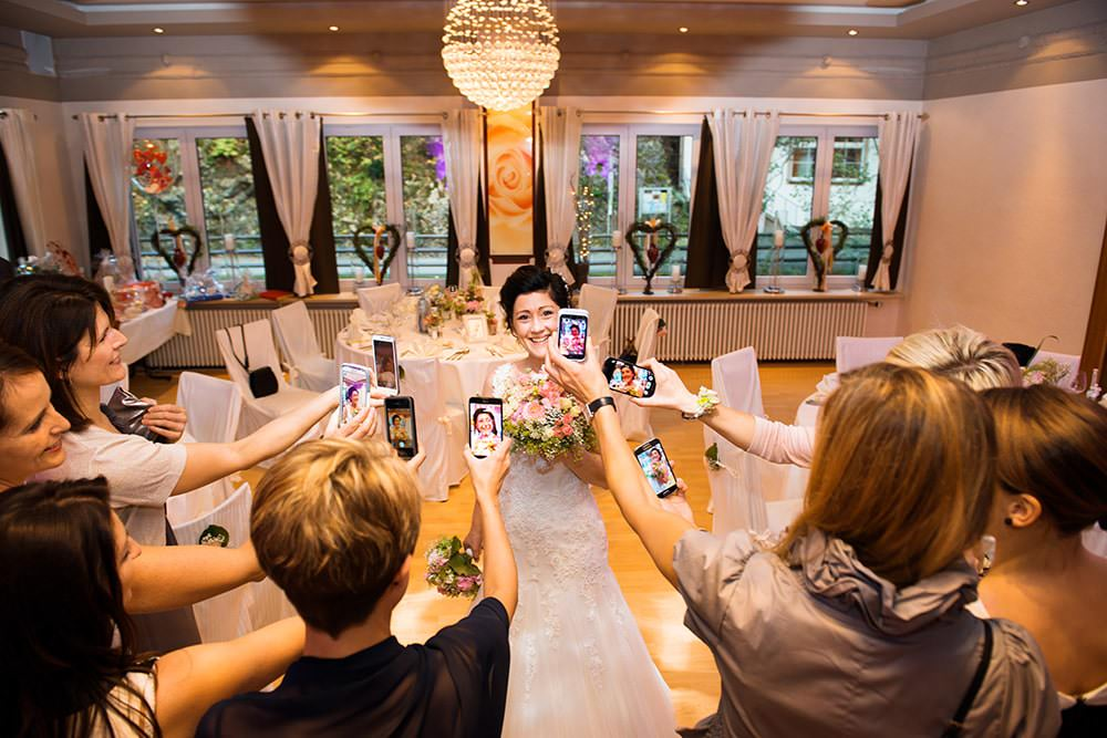 the-bride-Braut-Hochzeit-kreative-Hochzeitsreportage-Hochzeitsfotograf-Bamberg-Nürnberg-Hof-Weiden-Erfurt-Stuttgart-München-Fürth