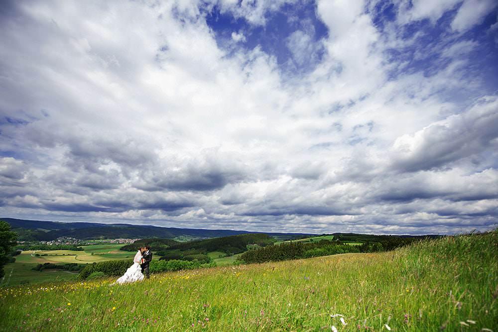 Hochzeitsfotograf-Max-Hörath-bietet-exklusive-Hochzeitsreportagen-für-Brautpaare-in-Kulmbach-Bayreuth-Bamberg-München-Nürnberg-Erlangen-Schweinfurt-Würzburg
