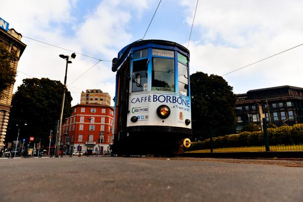 Mailand-expo-2015-strassenbahn-streetfotografie