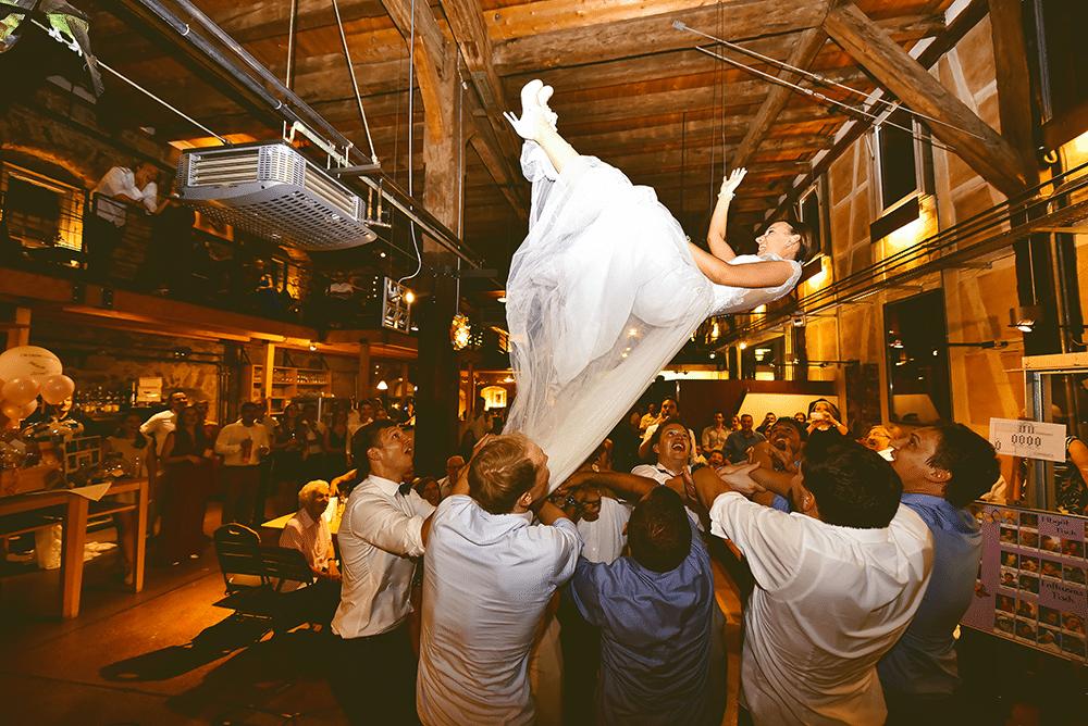 Die-Kelter-Restaurant-Tübingen-Hochzeit-Hochzeitsfotogaf-Fotogarf-Stuttgart-Max-Hoerath-Braut-Wedding-photographer