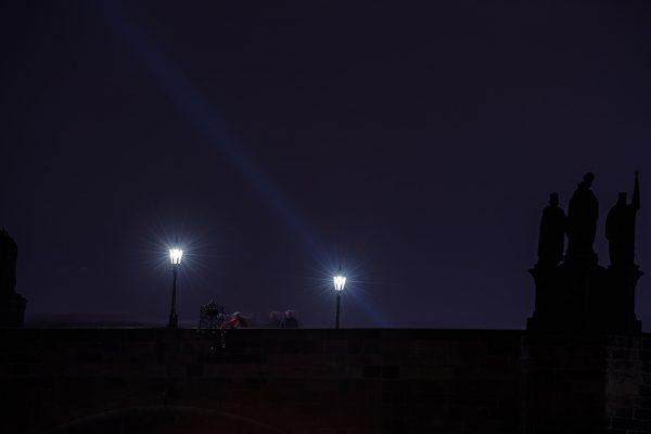 Prag-Prague-Karlsbrücke-Karlsbruecke-Sehenswürdigkeiten-Panorama-Fotokurs-City-Sights-Nachtaufnahme-Night-Urlaubsbilder-Burg-Wenzelsplatz-langzeitbelichtung-photoshop-adobe-max-hoerath