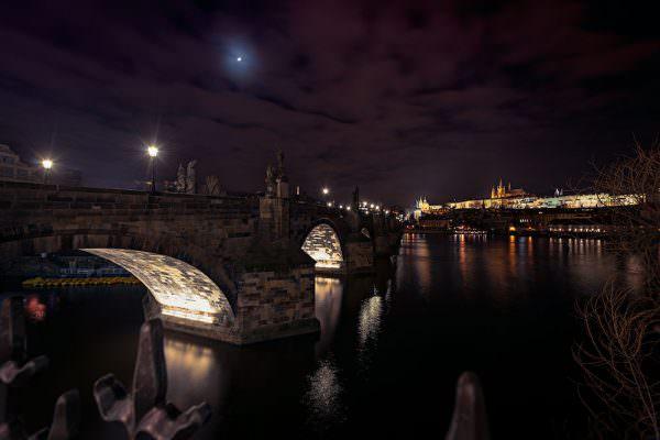 Prag-Tschechische-Republik-Prague-Karlsbrücke-Karlsbruecke-Sehenswürdigkeiten-Panorama-Fotokurs-City-Sights-Nachtaufnahme-Night-Burg-Dom-Kirche-Moldaujpg