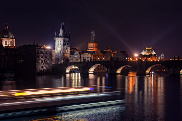 schifffahrt-Moldau-Prag-Prague-Sights-Sightseeing-Night-Karlsbrücke-Pražský-hrad-Fotokurs-Urlaubsbilder-Nachbearbeitung