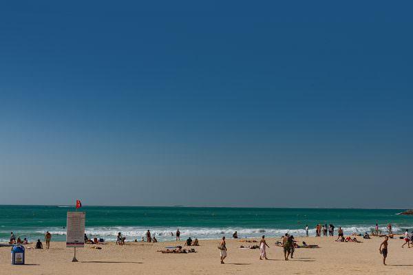 dubai-hotel-burj-al-arab-view-top-restaurant-heliport-jumerira-vereinigte-arabische-emirate-uae-vae-fotokurs-germany-beach-beachside