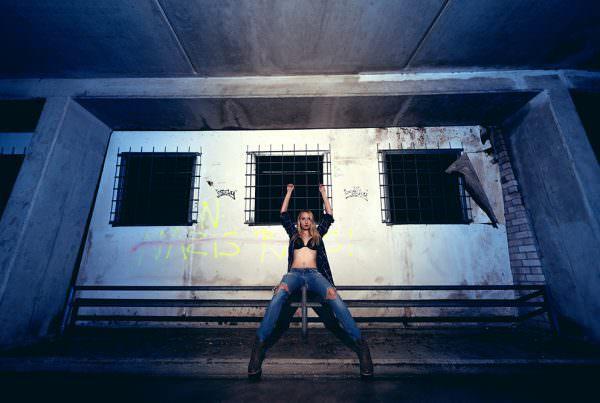 fotoshooting-akt-erotik-tiefgarage-grafitti-dessous-fotograf-fotostudio-kulmbach-bayreuth-bamberg-coburg-hof-weiden-kronach