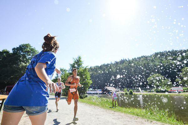 tennet-powertriathlon-trebgast-kulmbach-triathlon-sportfotograf-actionfotograf-max-hoerath-fotograf-werbefotograf-ats-schwimmen-badesee-laufstrecke-2019